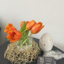 Deko, Kränze, Blumen und Lichtobjekte